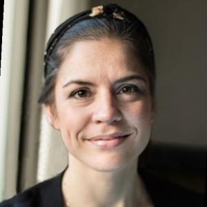 Amanda E. Arentoft